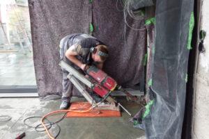 rebau-Referenzprojekte - Bohren und Sägen - Kernbohrarbeiten schräg durch eine Decke