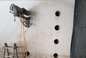 rebau-Referenzprojekte - Bohren und Sägen - Kernbohrungen als Eckbohrungen für Türausschnitt